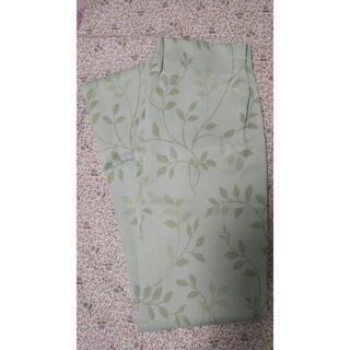 セシール(cecile)の遮光カーテン 幅100cm 長さ 240cm 1枚 フック、タッセルあり(カーテン)