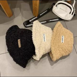 フィラ(FILA)のもこもこバケットハット   ボックスロゴ  ボア 帽子 韓国(ハット)