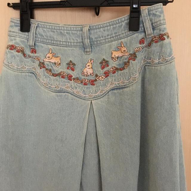 franche lippee(フランシュリッペ)のフランシュリッペ  はんかちうさぎ刺繍デニムスカート  レディースのスカート(ロングスカート)の商品写真