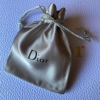 Dior - ディオール Diorロゴ入り シルバー巾着袋♡