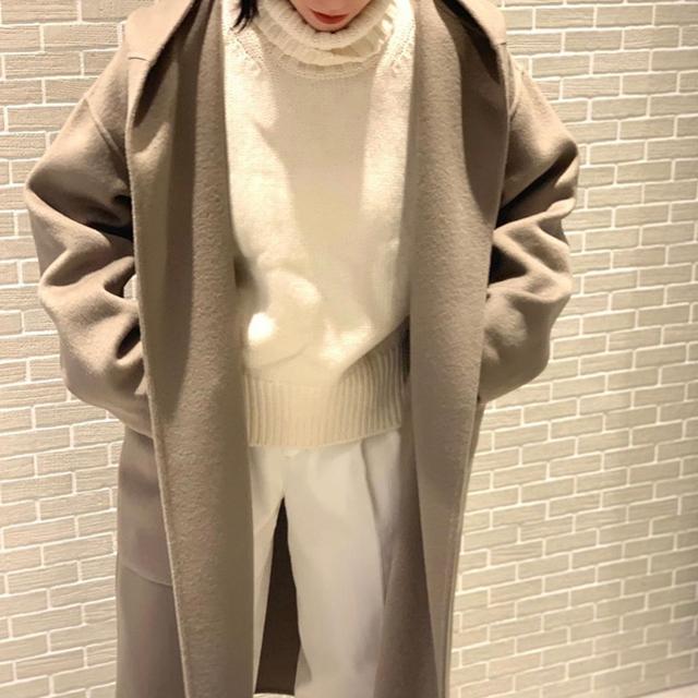 TOMORROWLAND(トゥモローランド)の今期20FW新作未使用ギャルリーヴィーgalerievieコートトゥモローランド レディースのジャケット/アウター(ロングコート)の商品写真