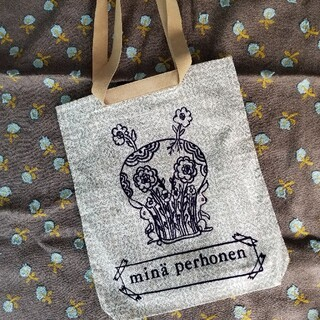 mina perhonen - ミナペルホネンflowery smile×sleeping roseトートバッグ