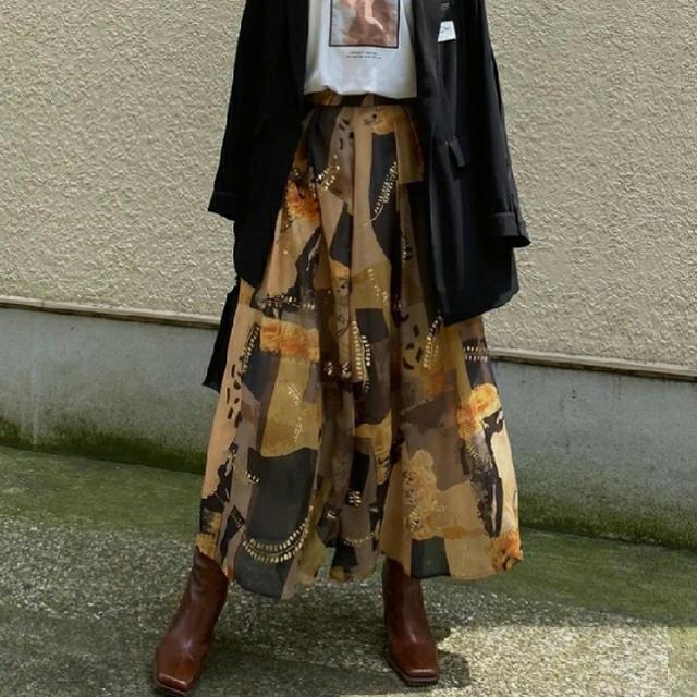 Ameri VINTAGE(アメリヴィンテージ)の新品Ameri VINTAGE EMILIE TUCK FLARED SKIRT レディースのスカート(ロングスカート)の商品写真