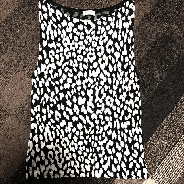 Saint Laurent(サンローラン)の登坂広臣着用タイプ サンローラン レディースのトップス(Tシャツ(半袖/袖なし))の商品写真