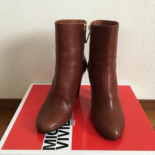 アパルトモンドゥーズィエムクラス(L'Appartement DEUXIEME CLASSE)のアパルトモン購入 MICHEL VIVIEN  SHORT BOOTS 35(ブーツ)