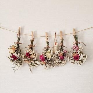 ボリュームたっぷりホワイト&ピンク系バラと小花のドライフラワースワッグガーランド(ドライフラワー)