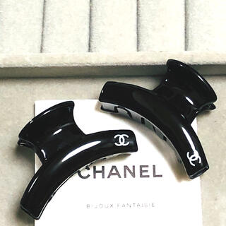 CHANEL - ヘアクリップ  2個セットm