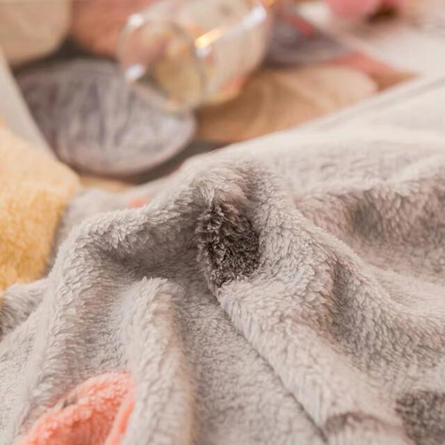 超暖かい フランネル コーラルフリース高級寝具4点セット インテリア/住まい/日用品の寝具(シーツ/カバー)の商品写真