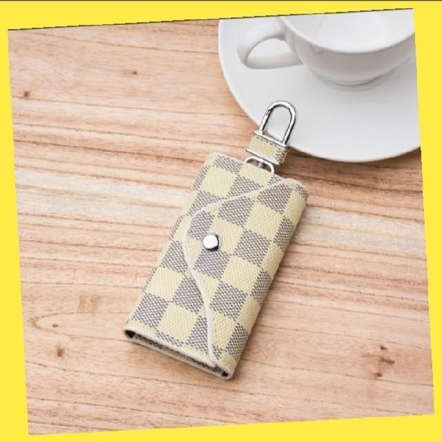 カード入れ付きキーケース/キーポーチ ホワイトチェック柄 レディースのファッション小物(キーケース)の商品写真