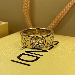FENDI - 売り上げ FENDIフェンディ  リング指輪 正規品 キラキラ