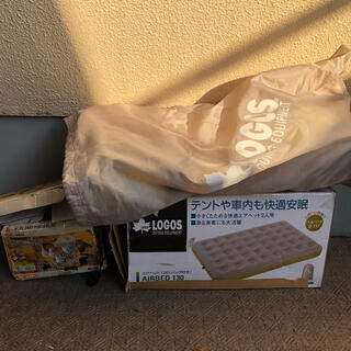 ロゴス(LOGOS)のLOGOS エアーマット 電動ポンプ付き ロゴス コールマンキャンプセットに(寝袋/寝具)