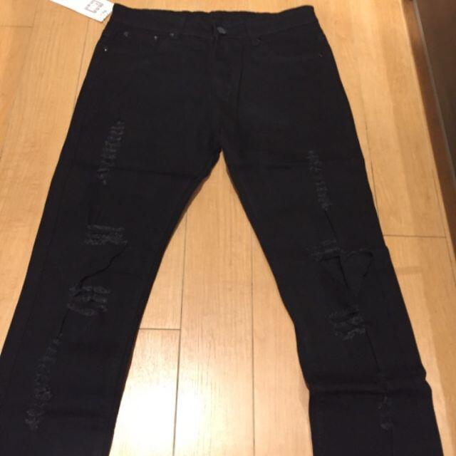 サイズが選べる ダメージデニム ブラック 黒 ダメージジーンズ クラッシュデニム メンズのパンツ(デニム/ジーンズ)の商品写真