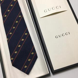 Gucci - 美品 グッチ ネクタイ GG ビー ネイビー