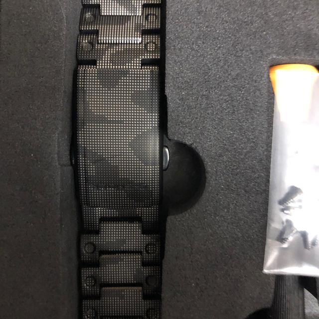 G-SHOCK(ジーショック)のG-SHOCK DW-5600 チタン カスタム ベゼルバンド 迷彩 メタル メンズの時計(金属ベルト)の商品写真