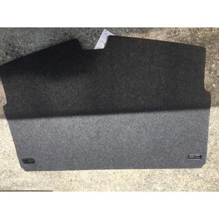 ニッサン(日産)の【送料込み】日産 E12 ノート 純正オプション ラケッジトランクボード(車内アクセサリ)