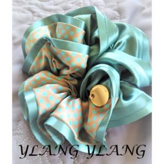 イランイラン(YLANG YLANG)の【美品】YLANG YLANG シュシュ ツートンカラー ドット Lサイズ(ヘアゴム/シュシュ)