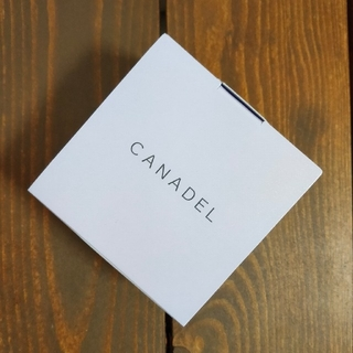 新品未開封品 カナデル プレミアホワイト オールインワン(58g)