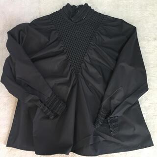 フェンディ(FENDI)のcoco様専用です⭐︎FENDI ブラックブラウスとバレンシアガのモカシン(シャツ/ブラウス(長袖/七分))