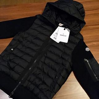 モンクレール(MONCLER)のM 新品正規品 MONCLER ダウンセーター パッド入りセーター ニット(ニット/セーター)