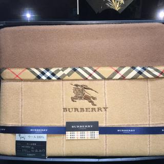 BURBERRY - バーバリーのウール100%毛布