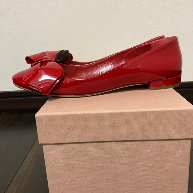 miumiu(ミュウミュウ)のお値下げしました miumiu リボンバレーシューズ37 レディースの靴/シューズ(バレエシューズ)の商品写真
