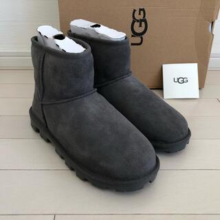 UGG - 【新品未使用】US7(24.0) UGG ブーツ ESSENTIAL MINI