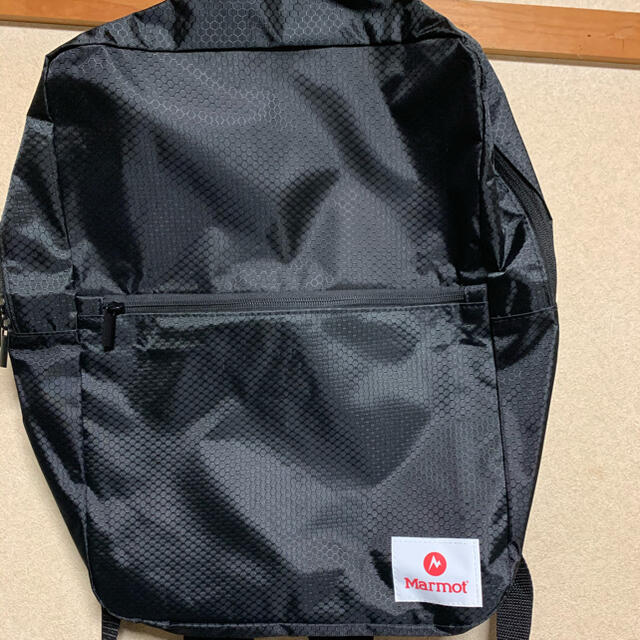 MARMOT(マーモット)のmarmot 薄マチBOX型リュック メンズのバッグ(バッグパック/リュック)の商品写真