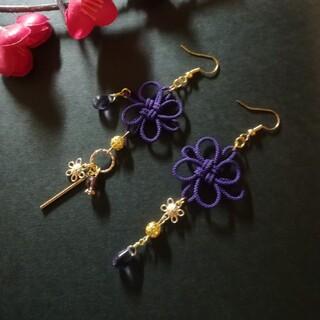 飾り結びとお花のピアス(紫)(ピアス)