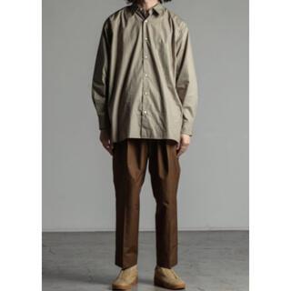 マーカウェア(MARKAWEAR)のmarkaware コンフォートフィットシャツ サイズ2 オリーブ 19aw(シャツ)