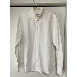 メゾンキツネ(MAISON KITSUNE')のメゾンキツネmaison kitsuneボタンダウンOX白シャツ 定価約3万円(シャツ)