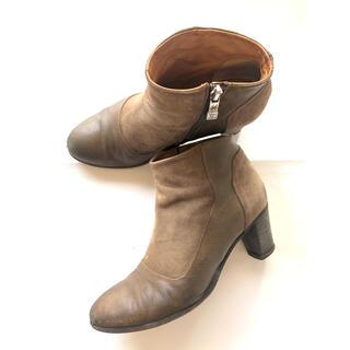 トゥモローランド(TOMORROWLAND)のALBERTO FERMANIアルベルトフェルマーニ ショートブーツスエード24(ブーツ)