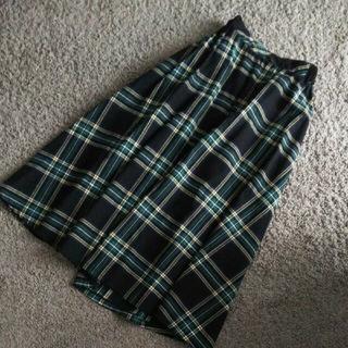 未使用☆ベルト付きチェックフレアスカート(ひざ丈スカート)