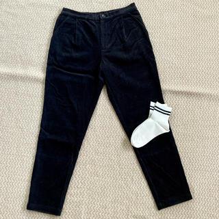 エヴァムエヴァ(evam eva)のevam eva コーデュロイ タック パンツ 黒 ブラック 日本製(クロップドパンツ)