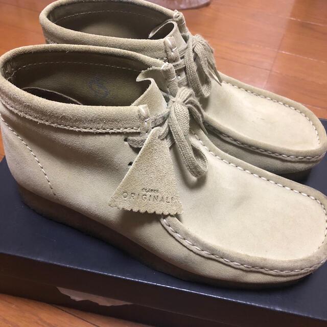 Clarks(クラークス)のClarks originas ワラビー メープル スウェード  メンズの靴/シューズ(ブーツ)の商品写真