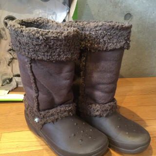 クロックス(crocs)のクロックス  ブーツ  ブラウン  W8  24  数回使用(ブーツ)