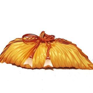 イッセイミヤケ(ISSEY MIYAKE)のイッセイミヤケ ハンドバッグ - オレンジ(ハンドバッグ)