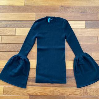 ビーシービージーマックスアズリア(BCBGMAXAZRIA)のBCBGMAXAZRIA 黒 ニット 美品(ニット/セーター)