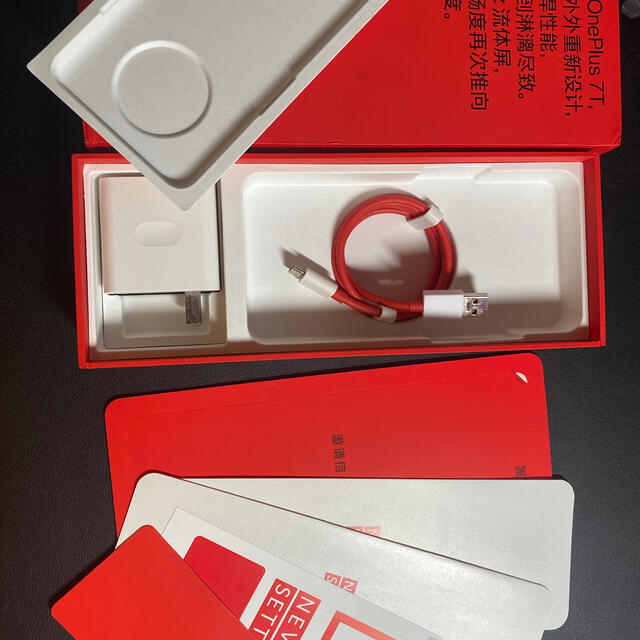 oneplus7t  ANDROID スマホ/家電/カメラのスマートフォン/携帯電話(スマートフォン本体)の商品写真