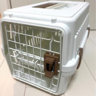 アイリスオーヤマ(アイリスオーヤマ)の小型犬猫用 エアトラベルキャリー ホワイト(かご/ケージ)