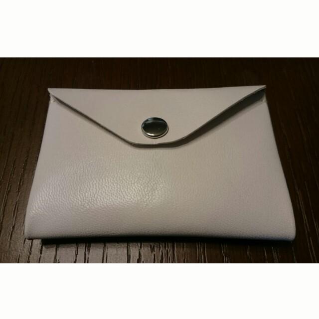 シンプルレザーカードケース(ホワイト) ハンドメイドのファッション小物(キーケース/名刺入れ)の商品写真