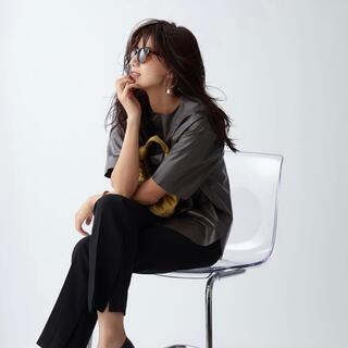 ミラオーウェン(Mila Owen)のMila Owen / シャツカーブフェイクレザーTシャツ(Tシャツ(半袖/袖なし))