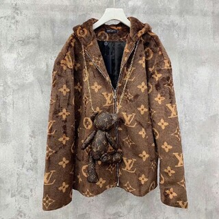 ルイヴィトン(LOUIS VUITTON)のフルロゴブラウンフード付きジャケット パーカージャケット(マウンテンパーカー)