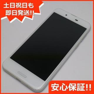 アクオス(AQUOS)の美品 SHV40 ホワイト 本体 白ロム (スマートフォン本体)