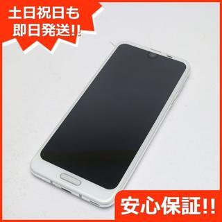 アクオス(AQUOS)の美品 SHV42 ホワイト 本体 白ロム (スマートフォン本体)