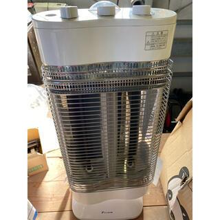 ダイキン(DAIKIN)のダイキン 遠赤外線暖房機 セラムヒート ERFT11MS(電気ヒーター)