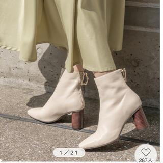 ランダ(RANDA)のRANDA ブーツ アイボリー Lサイズ(ブーツ)