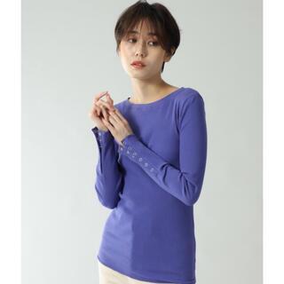 ローズバッド(ROSE BUD)のほぼ新品 ローズバッド デザインボタン リブ カットソー トップス Tシャツ(カットソー(長袖/七分))
