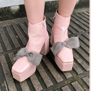 ハニーミーハニー(Honey mi Honey)のハニーミーハニー ribbon patent boots(ブーツ)