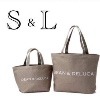 ディーンアンドデルーカ(DEAN & DELUCA)のDEAN&DELUCA チャリティートートバッグ オリーブ  S&Lサイズセット(トートバッグ)