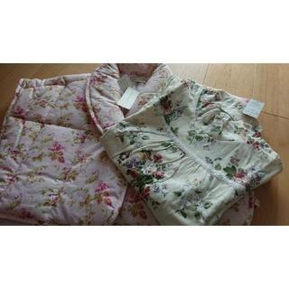 ローラアシュレイ(LAURA ASHLEY)のローラアシュレイ 冬物パジャマ・上着セット Mサイズ(パジャマ)